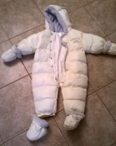 Baby snowsuit with booties and mits
