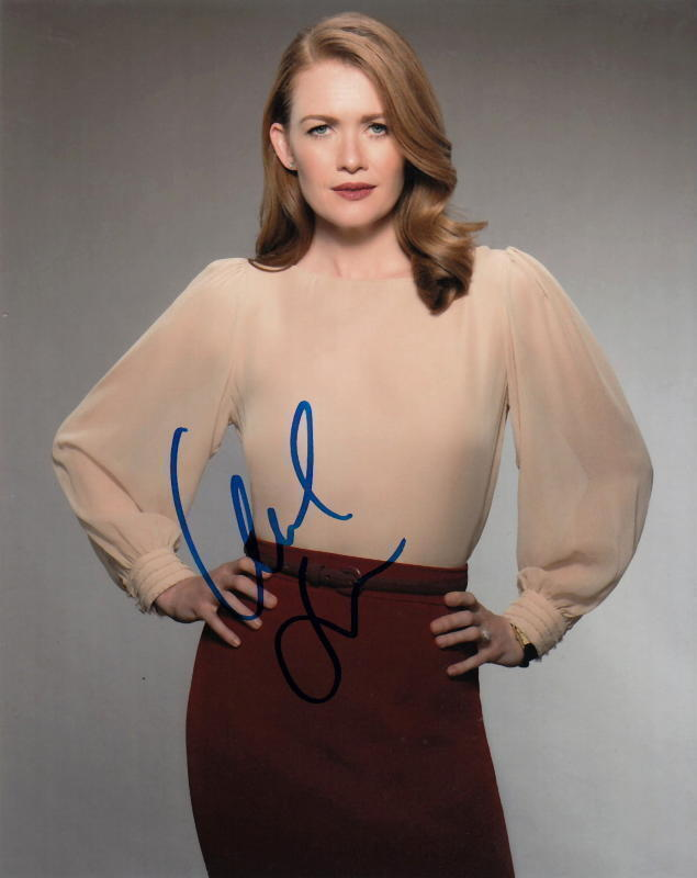 MIREILLE ENOS.. The Catch's Alluring Alice- SIGNED