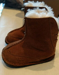 Baby Boots - Ugg's - 6-12 months (Size:Small)
