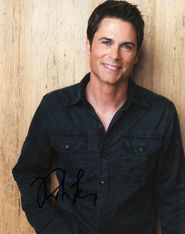 ROB LOWE.. Brothers & Sisters - SIGNED