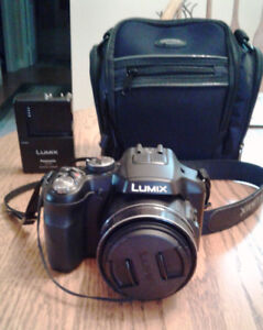 Panasonic FZ200 for sale