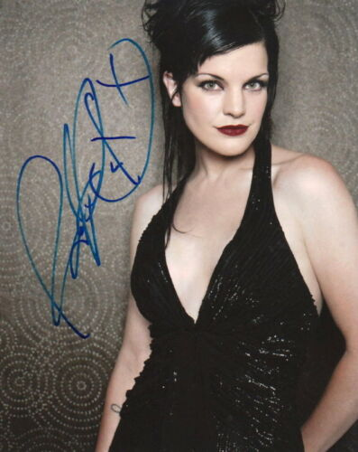 PAULEY PERRETTE.. Breathtaking Beauty (NCIS) SIGNED