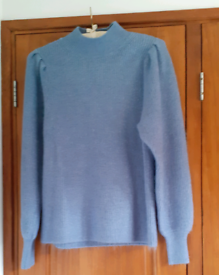 Ladies Blue long sleeve jumper.Medium.