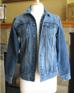 Womens GAP Denim Jean Jacket Size Medium