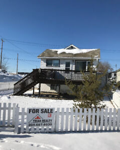 Beautiful 2-Bedroom Home with Adjoining Suite!