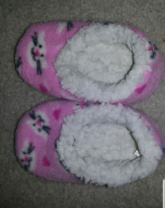 Baby slippers 6 months