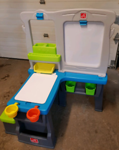 Step2 Creative Kids Arts & Crafts table and chair