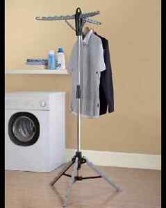 Tripod stand-up clothes drying rack