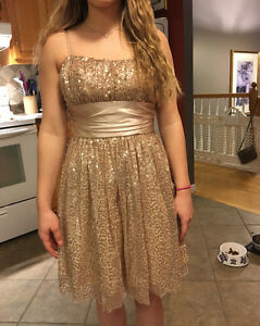 Selling gold Junior prom dress !