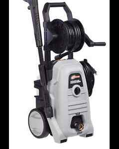 1800 PSI Pressure Washer