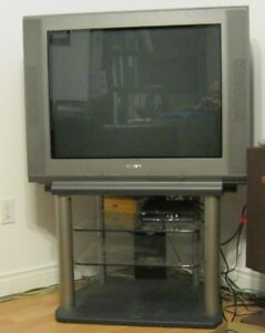 "32"" Sony TV with stand & Remote"