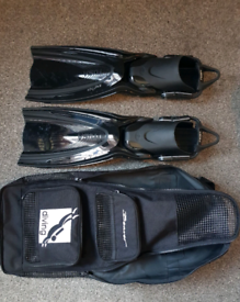 Tusa Switch fins + beaver carry case scuba