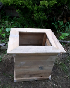 """Rustic """"beehive"""" wooden planter box"""