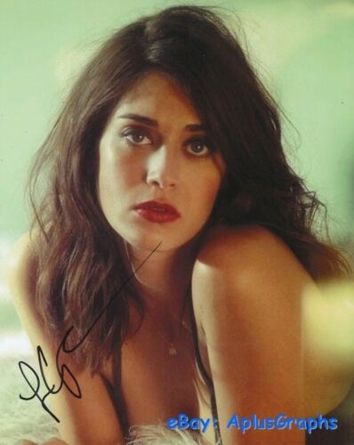LIZZY CAPLAN.. Alluring Actress - SIGNED
