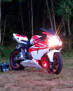 2005 Honda CBR 600RR  4500$       NO TRADES....