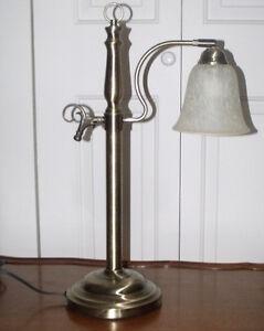 Très belle lampe imitation vintage