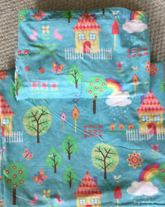 LITTLE GIRL'S DUVET COVER AND PILLOW CASE, TWIN