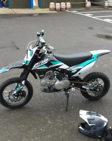 Stomp dirt bike 120cc