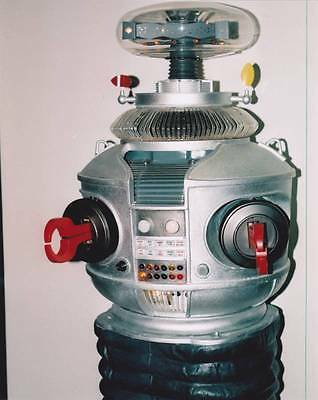 LOST IN SPACE 8 x 10 - 1997 color photo of THE ROBOT