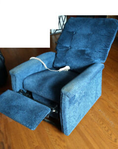 Motorized arm chair/recliner