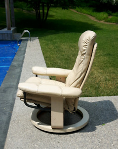 Leather Lounge Chair *Delivery Available*