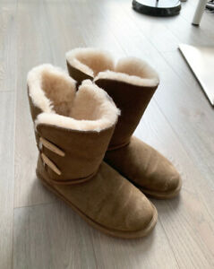 Bear Paw (UGG like) boots - Women Size 8