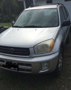 2002 Toyota Rav4 selling for parts