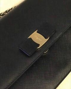 Excellent condition Medium Vera Bow ferragamo purse