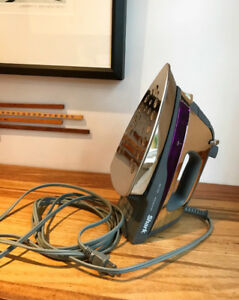 Shark Steam Power Iron (perfect condition)