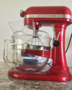 Kitchen Aid Professional Series 6500 mixer.