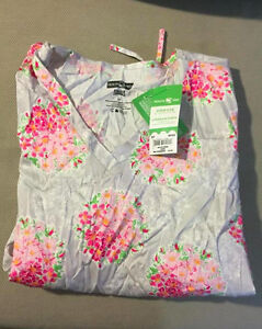 New Scrubs Top with tags