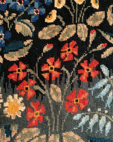 VINTAGE BEAUTIFUL WOOL EMBROIDERY FRAGMENT