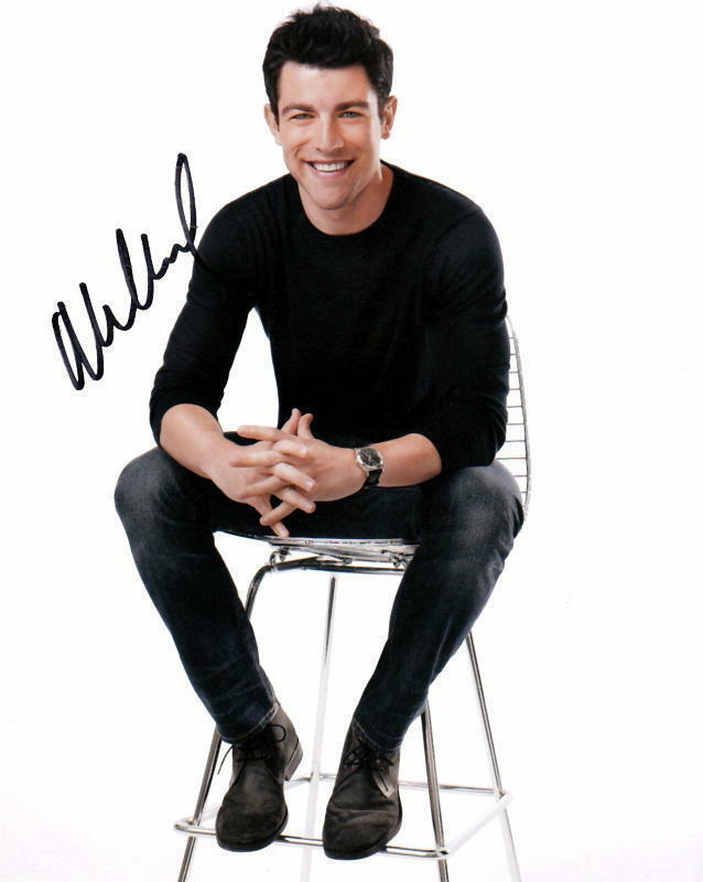 MAX GREENFIELD.. New Girl's Scene Stealing Schmidt - SIGNED
