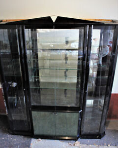 VERY EXPENSIVE HIGH END ITALIAN MADE DISPLAY CABINET