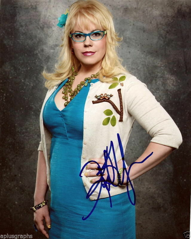 KIRSTEN VANGSNESS.. Criminal Minds' Garcia - SIGNED