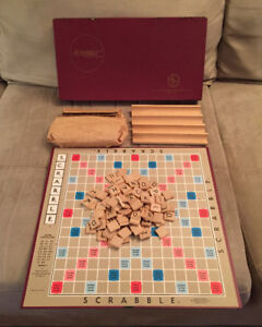 Vintage 1948 Scrabble Board Game Selchow & Righter Complete !