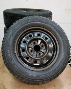 205/65 R15 Toyo winter tire Observe GSI-5 on rims x4 pneu