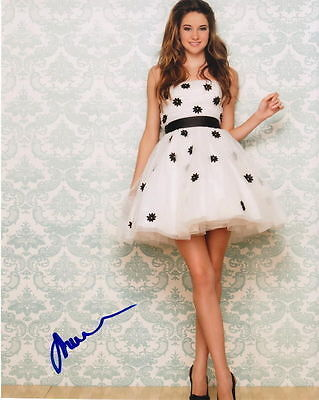 Shailene Woodley   Lovely And Leggy   Signed