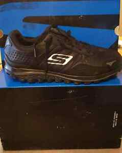 New in Box - Sketchers Gowalk2 Flash Golf shoes