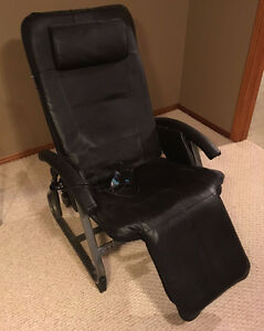 HoMedics Black leather Anti-Gravity Recliner Chair