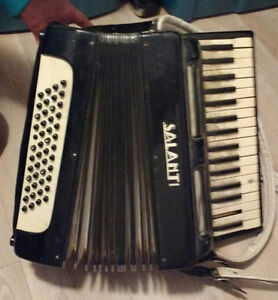 Salanti Accordian from the 60s