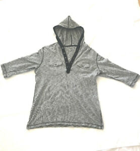 Bar lll 3/4 sleeves grey t-shirt with hoodie
