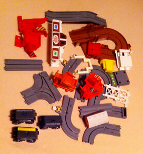 Thomas the Tank engine BIG LOADER pieces +3 working chassis
