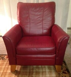 La-Z-Boy leather recliner in great shape