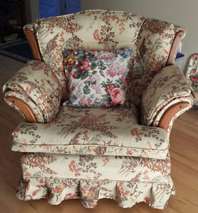 Couch and Recliner Chair with 3 pollows