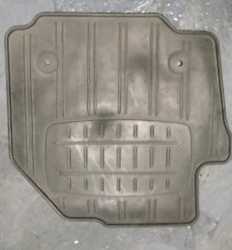 Ford Galaxy mk3 rubber floor mats.