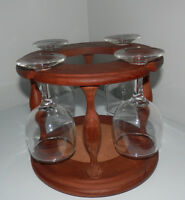 TEAK CADDY WITH FOUR WINE GLASSES