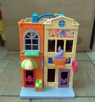 """Fisher Price """"Sweet Streets"""" Shopping Mall Dollhouse"""
