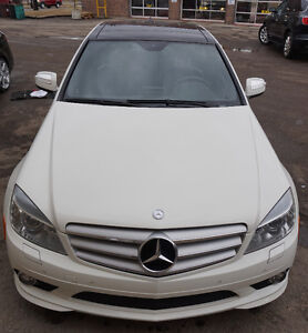 2009 Mercedes Benz C350 AMG - only 52000 km - Fully Loaded- MINT