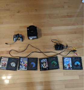Nintendo GameCube With Controller, Memory Card and 3 Games